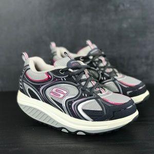Woman's Skechers Shape-Ups Size 6.5